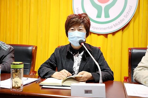 图三:县教体局党组副书记、副局长胡煜昊出席会议并讲话.JPG