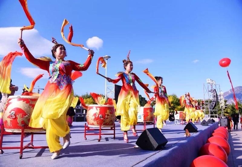 涿鹿县国庆节文化活动呈现亮丽风景