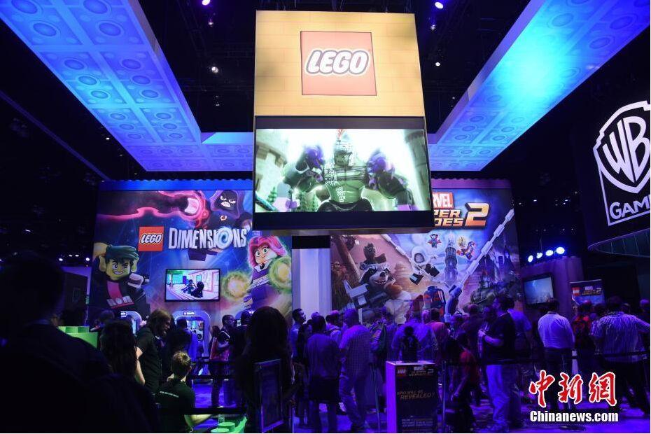 全球最大规模电子娱乐展览会开幕日人气爆棚