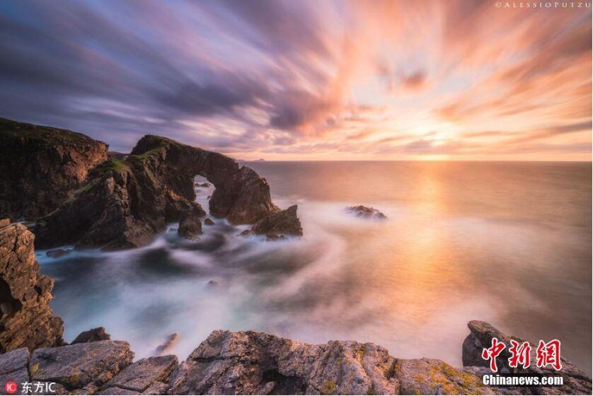 摄影师捕捉苏格兰海岸风光 美得令人心醉